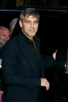 George Clooney - New York - George Clooney e Pamela Anderson, insieme di giorno e di notte