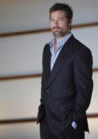 Brad Pitt - Los Angeles - 30-12-2009 - Guy Ritchie sceglie Brad Pitt per il sequel di Sherlock Holmes