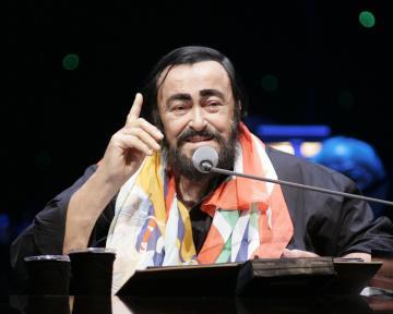 Luciano Pavarotti - sunrise - 02-10-2005 - E' morto il tenore Luciano Pavarotti