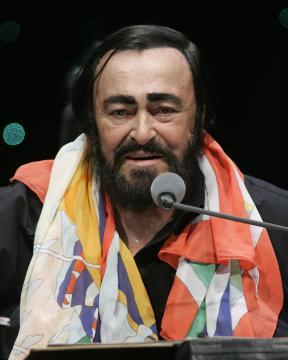 Luciano Pavarotti - sunrise - 02-10-2005 - D'Alessio a giudizio per evasione, ma quanti non pagano le tasse