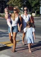 figlie, Denise Richards - Los Angeles - 17-09-2009 - Charlie Sheen fa la pace con l'ex moglie Denise Richards