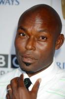 Jimmy Jean Louis - Century City - 20-09-2008 - Le star di Hollywood disperate per contattare i parenti ad Haiti