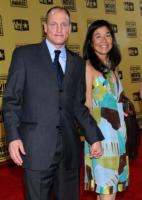 Laura Harrelson, Woody Harrelson - Hollywood - 15-01-2010 - Sandra Bullock e Meryl Streep migliori attrici a pari merito ai Critics' Choice Awards