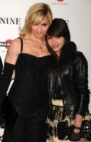Lourdes Maria Ciccone Leon, Madonna - Los Angeles - 17-01-2010 - Madonna generosa con la figlia