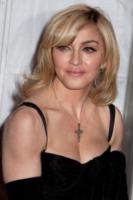 Madonna - Los Angeles - 17-01-2010 - Madonna generosa con la figlia
