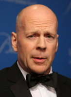 Bruce Willis - Beverly Hills - 10-12-2009 - Bruce Willis gira Red a Toronto