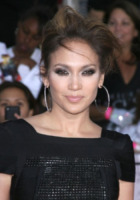 Jennifer Lopez - Los Angeles - 27-10-2009 - Jennifer Lopez ruba il palco a George Lopez