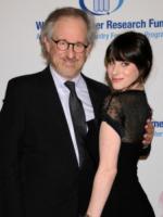 Steven Spielberg, Jessica Capshaw - Beverly Hills - 27-01-2010 - Jessica Capshaw incinta del terzo figlio