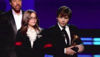 Prince Michael Jackson, Paris Jackson - Los Angeles - 31-01-2010 - I figli di Michael Jackson ancora sul palco per ricordare il padre ai Grammy Awards
