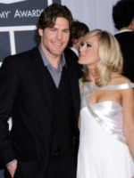 "Mike Fisher, Carrie Underwood - Los Angeles - 31-01-2010 - Carrie Underwood vuole adottare, ma tra ""anni"""