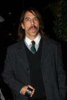 Anthony Kiedis - Beverly Hills - 22-12-2009 - Madonna investe un milione e mezzo di dollari in latte di cocco