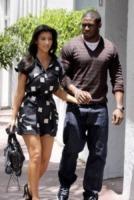 Kim Kardashian, Reggie Bush - Los Angeles - 27-01-2010 - Kim Kardashian ottiene un'ordinanza di tre anni contro il suo stalker