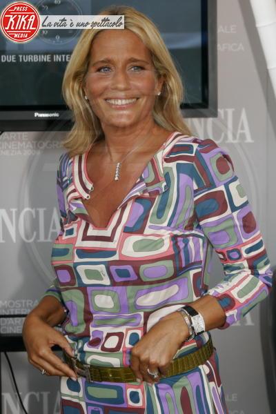 Heather Parisi - Milano - 10-02-2010 - Amici 17, Celentano contro la concorrente: