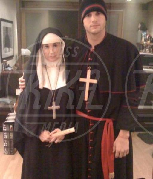 Demi Moore, Ashton Kutcher - Milano - 11-02-2010 - Chiesa e show biz, un rapporto di amore e odio