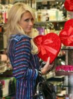 Paris Hilton - Los Angeles - 08-02-2010 - Kathy Hilton nega un matrimonio imminente della figlia Paris