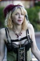 Courtney Love - Malibu - 18-02-2010 - Courney Love contro la famiglia Cobain