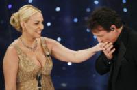Massimo Ranieri, Antonella Clerici - Sanremo - 18-02-2010 - Romanticismo: la chiave per entrare nel cuore delle donne