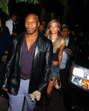 Mike Tyson - Mike Tyson in clinica insieme alla Lohan