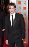 Robert Pattinson - Londra - 21-02-2010 - Essere o non essere gay? Questo è il pettegolezzo