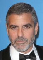 George Clooney - Los Angeles - 30-12-2009 - Elisabetta Canalis pesca un due di picche da George Clooney