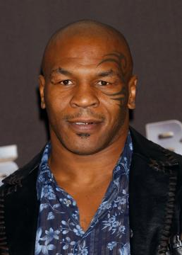 Mike Tyson - Los Angeles - 26-10-2005 - Mike Tyson in clinica insieme alla Lohan