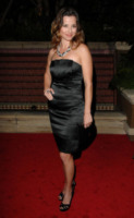 Linda Cardellini - Beverly Hills - 05-03-2010 - Linda Cardellini ha avuto una bambina