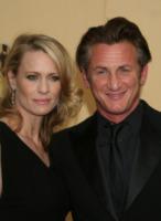 Robin Wright, Sean Penn - Hollywood - 22-02-2009 - Sean Penn accusato di rissa agli Oscar, smentito dai portavoce