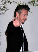 Sean Penn - Hollywood - 07-03-2010 - Sean Penn accusato di rissa agli Oscar, smentito dai portavoce