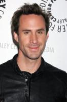 Joseph Fiennes - Beverly Hills - 11-03-2010 - Joseph Fiennes resta in tv con la miniserie Camelot