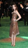 Anne Hathaway - Londra - 25-02-2010 - Anne Hathaway, ex vegetariana, sta diventando una cuoca