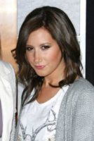 Ashley Tisdale - Hollywood - Ashley Tisdale in tv con un cameo in Raising Hope