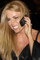 Loredana Lecciso - Milano - 01-04-2010 - Loredana Lecciso ubriaca all'uscita della discoteca Armani Prive'