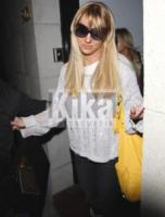 Britney Spears - Los Angeles - 26-02-2010 - Britney Spears contro National Enquirer e Globe