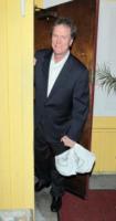 Rick Hilton - Los Angeles - 28-04-2010 - Per i genitori di Paris Hilton la dieta costa caro