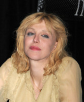 Courtney Love - 27-04-2010 - Scarlett Johansson 'intrigata' dal ruolo di Courtney Love