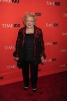 Betty White - New York - 04-05-2010 - Betty White vince il primo Sag a 89 anni