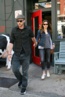 Jessica Biel, Justin Timberlake - New York - 05-05-2010 - Justin Timberlake e Jessica Biel insieme a colazione e in bicicletta a Toronto