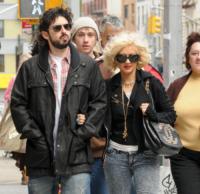 Jordan Bratman, Christina Aguilera - New York - 09-05-2010 - Christina Aguilera e' ancora attratta dalle donne