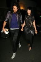 Katy Perry, Russell Brand - Los Angeles - 10-05-2010 - Katy Perry e Russell Brand non vogliono regali di nozze