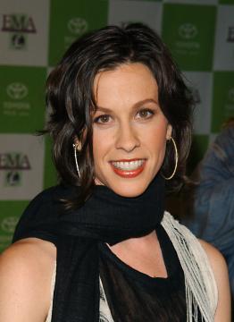 Alanis Morissette - Los Angeles - 05-11-2003 - Alanis Morissette è diventata mamma per la terza volta