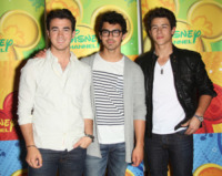 Jonas Brothers - Burbank - 15-05-2010 - I Jonas Brothers si dicono addio per la seconda volta
