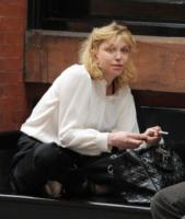 Courtney Love - New York - 17-05-2010 - Courtney Love vendera' i diritti dei Nirvana