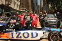 Helio Castroneves, Scott Dixon, Dan Wheldon, Dario Franchitti - New York - 25-05-2010 - Morto il pilota Indy 500 Dan Wheldon