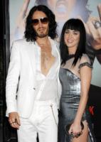 Katy Perry, Russell Brand - Hollywood - 25-05-2010 - Katy Perry e Russell Brand non vogliono regali di nozze