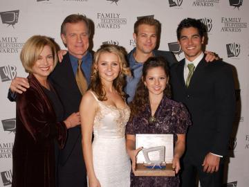 George Stul, Beverley Mitchell, Stephen Collins, Catherine Hicks - Beverly Hills - 30-11-2005 - Lo scheletro nell'armadio del Pastore di Settimo Cielo