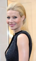Gwyneth Paltrow - Los Angeles - 27-05-2010 - Gwyneth Paltrow ha sofferto di depressione post partum
