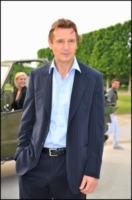 Liam Neeson - Parigi - 14-06-2010 - Liam Neeson ha ricominciato a fumare sul set di A Team