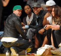 Polow Don, Chris Brown, Donnie Wahlberg - Los Angeles - 19-02-2010 - Snoop Dogg scommette 20 mila dollari sui Lakers con Donnie Wahlberg