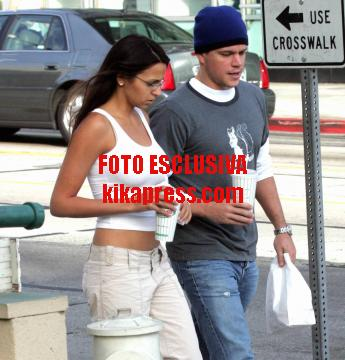 Luciana Bazan, Matt Damon - Hollywood - 10-12-2005 - E' nata la figlia di Matt Damon