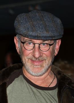 Steven Spielberg - Beverly Hills - 20-12-2005 - Spielberg denunciato per un taglio di capelli